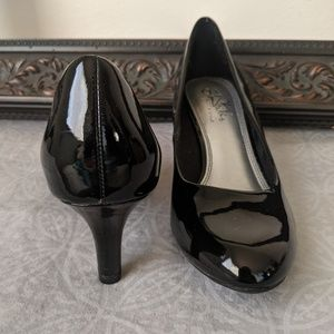 Life Stride brand patent leather sexy dress heels
